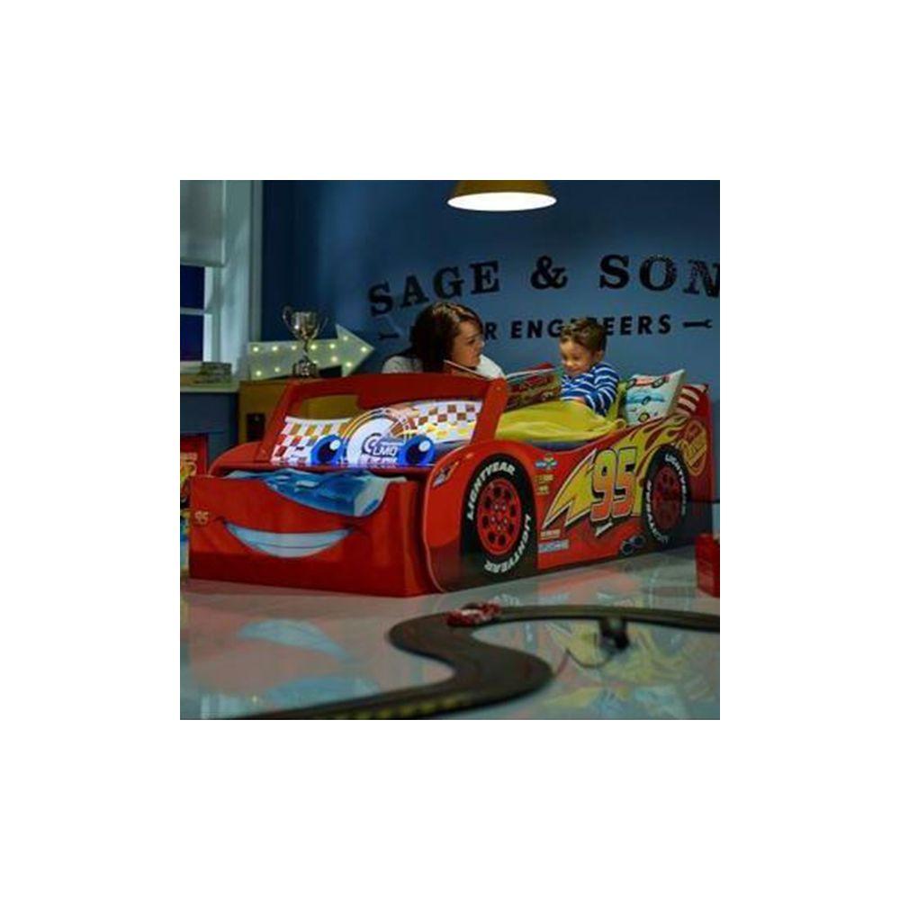 grossiste lit enfant lumineux cars disney flash mcqueen b2b. Black Bedroom Furniture Sets. Home Design Ideas